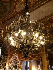 Marble House Gold Room chandelier-001
